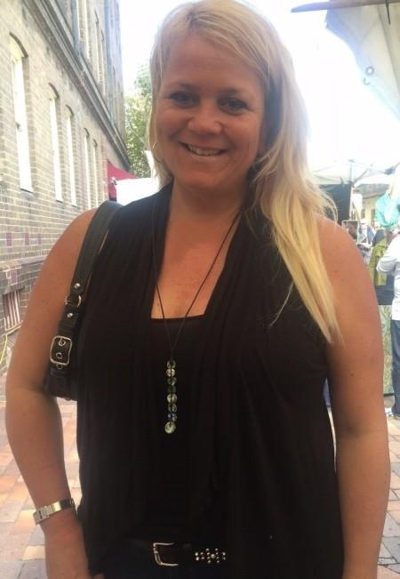 Kim McLachlan from Canada wearing dew drop